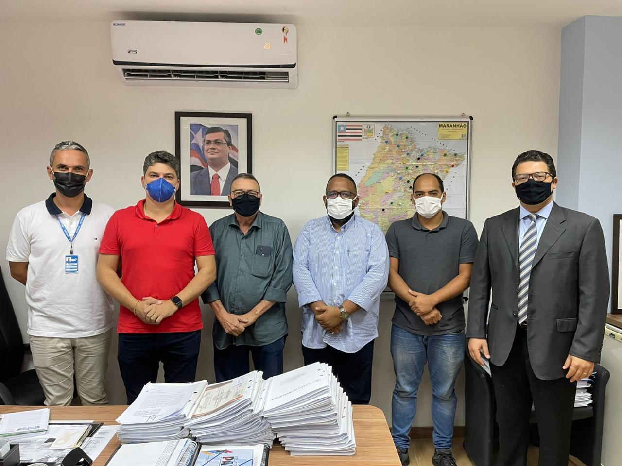 Em visita ao Governo, prefeito solicita posto do Detran e cais para o município de Godofredo Viana