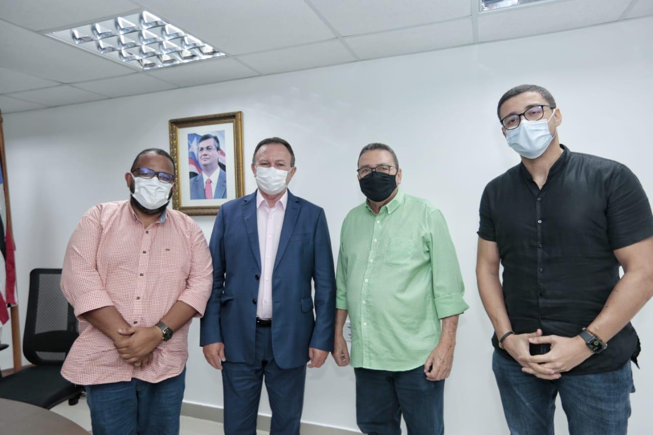 Em parceria com o Estado, prefeito obtém novos benefícios para o município de Godofredo Viana