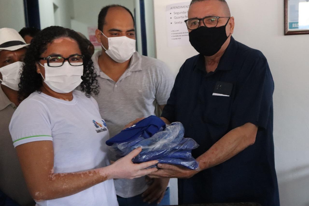 Prefeito Sissi Viana entrega material de trabalho para ACS e ACE
