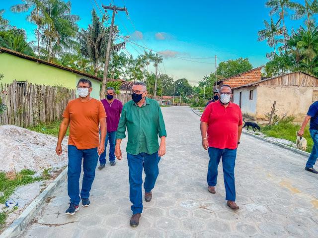 Obras de pavimentação avançam em Godofredo Viana
